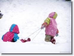 kids-snow-sliding-1 * ya this way * 1024 x 766 * (205KB)
