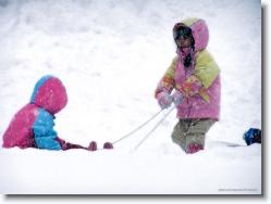 kids-snow-sliding-3 * let me try again! * 1024 x 766 * (204KB)