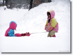 kids-snow-sliding-7 * hmmphhh!! i will try this way * 1024 x 766 * (204KB)