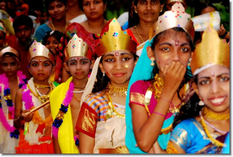 gopikas, sri krishna jayanthi at bharananganam, kerala
